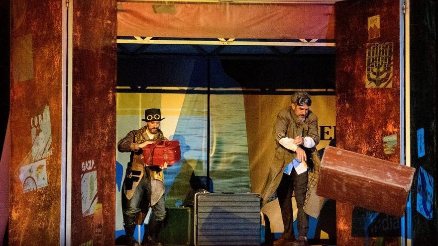 Obra 'La maleta', a partir de un texto de Pedro Lezcano y que se exhibirá este sábado por fuera del Auditorio de Tenerife (19.00)