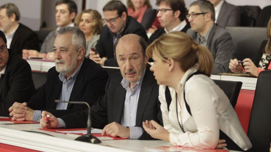 """El PSOE defiende la gestión de Navarro ante la """"insumisión"""" de los diputados críticos del PSC"""