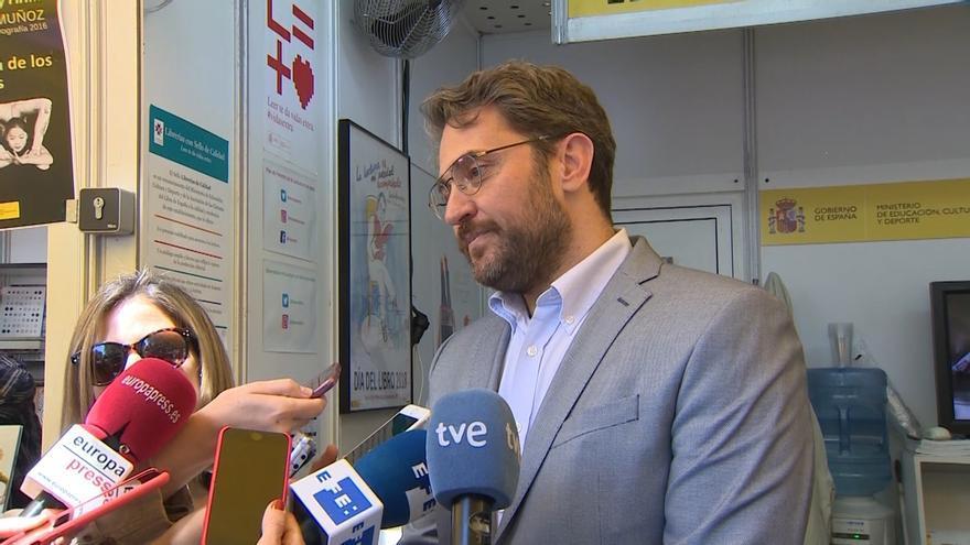 Pedro Sánchez, tranquilo y satisfecho con Maxim Huerta tras escuchar las explicaciones sobre su fraude a Hacienda