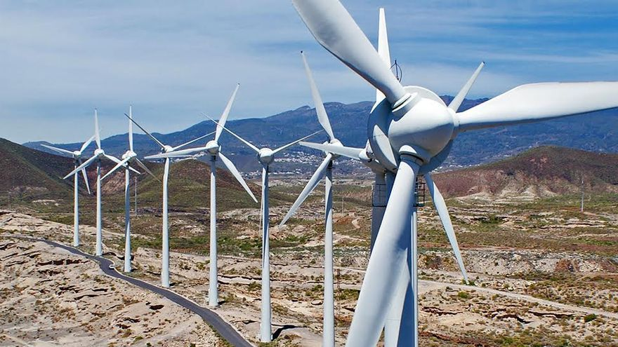 Parque de aerogeneradores en el municipio tinerfeño de Arico. ( ITER)