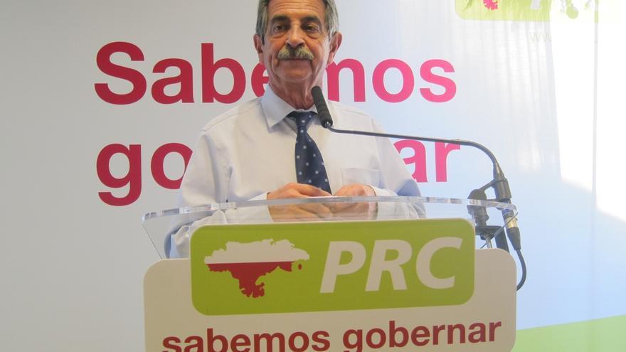 """Revilla no se 'moja' pero pide """"que nadie vote a ningún corrupto"""""""