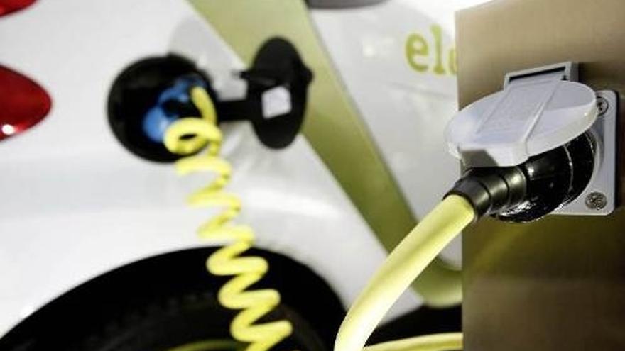 Bilbao contará en primavera con el primer punto de recarga rápida de vehículos junto a la parada de taxi en Begoña