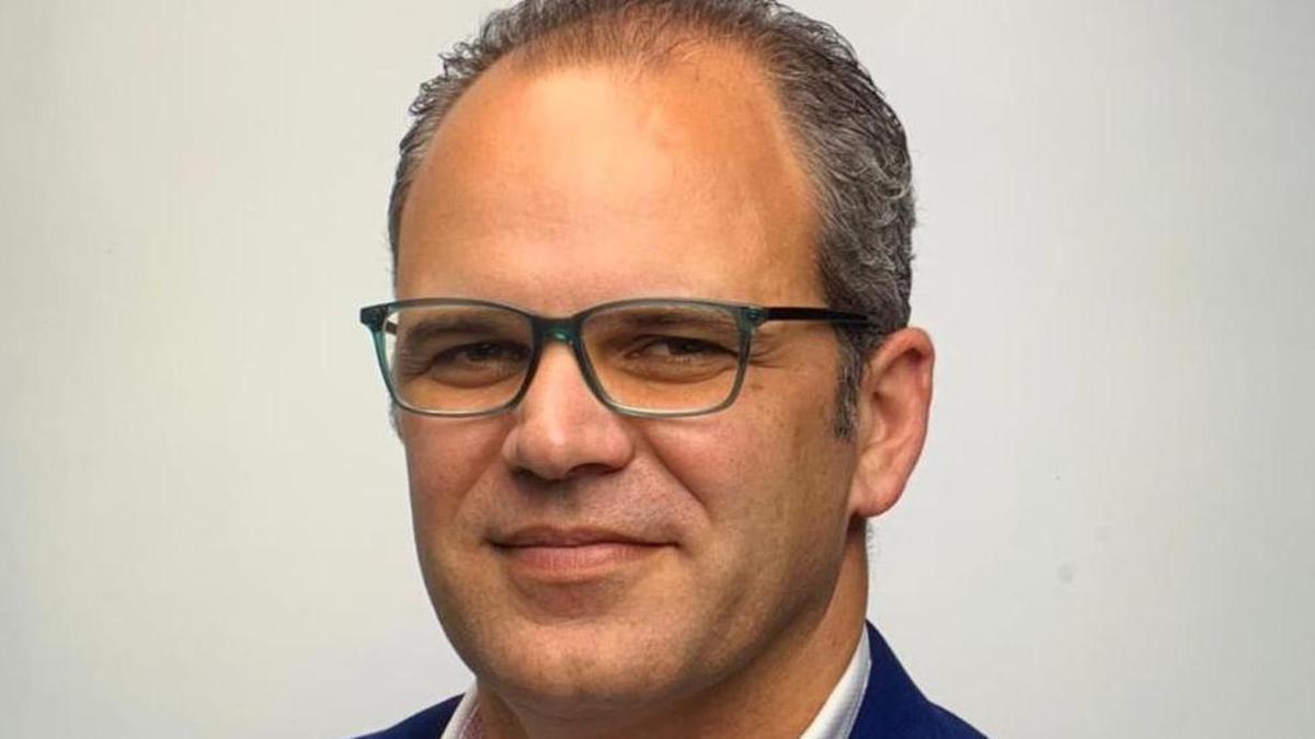Tony Acosta.
