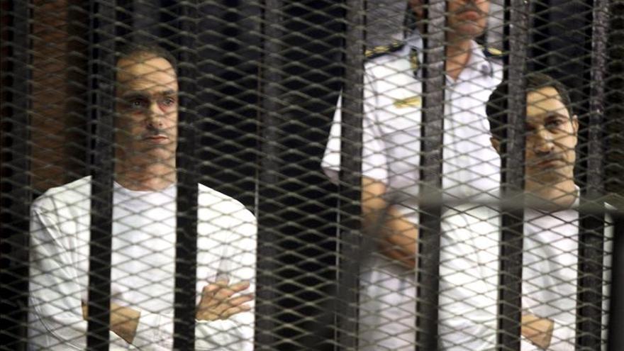 La Fiscalía egipcia solicita rechazar el recurso que pide anular la condena a Mubarak y sus hijos
