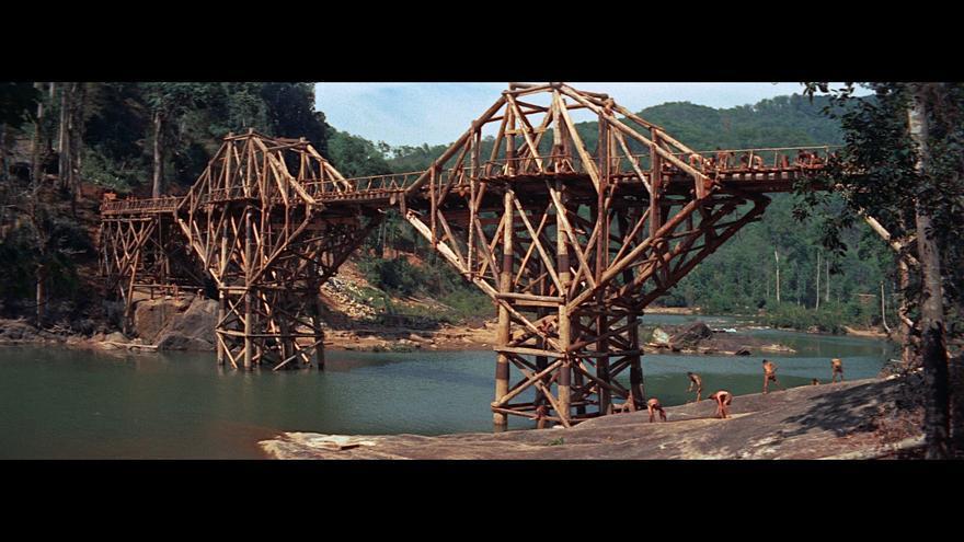 Fotograma de 'El Puente sobre el río Kwai'