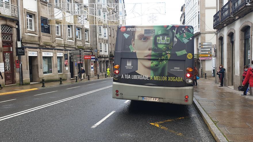 """Ayuntamientos que batallan contra las casas de apuestas desde la trasera de un autobús: """"Puede parecer una miseria, pero hay que ir gota a gota"""""""