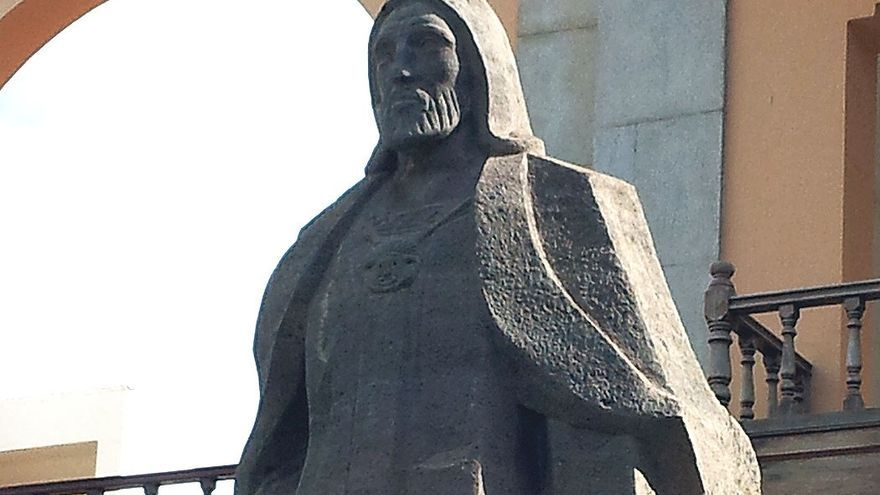 Escultura en honor a Artemi Semidán, también conocido como Fernando Guanarteme