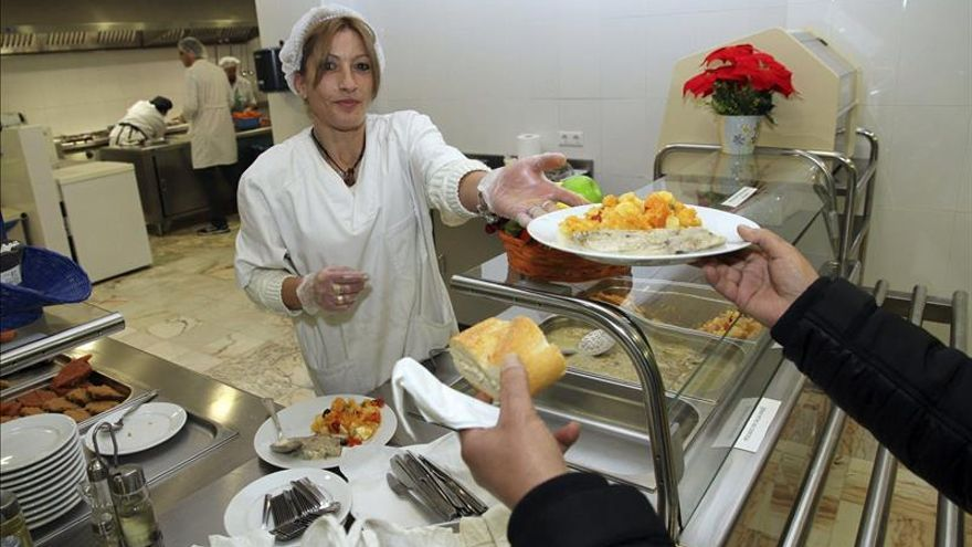 Los comedores sociales palían las necesidades cuando la renta mínima tampoco es suficiente.