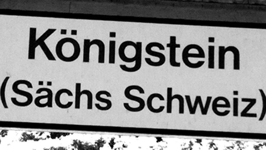 Cartel de la estación de tren de Königstein.