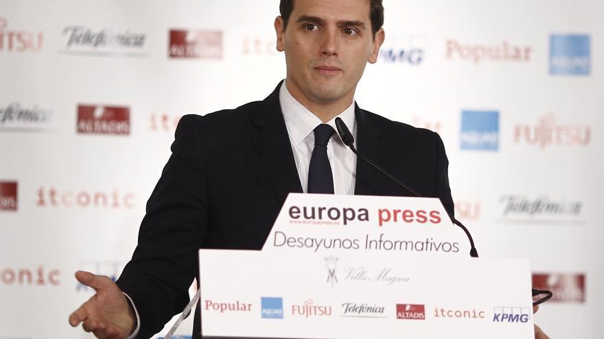 Rivera rechaza suspender mecanismos como el FLA para Cataluña porque sería tomar a los catalanes como rehenes políticos