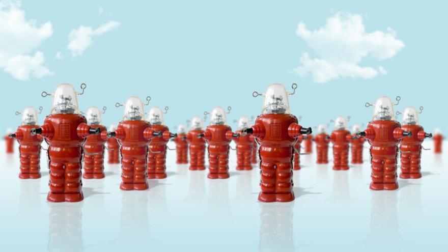 Los robots no vienen a quitarte el trabajo, pero los partidos no han planteado ideas para que lo respeten