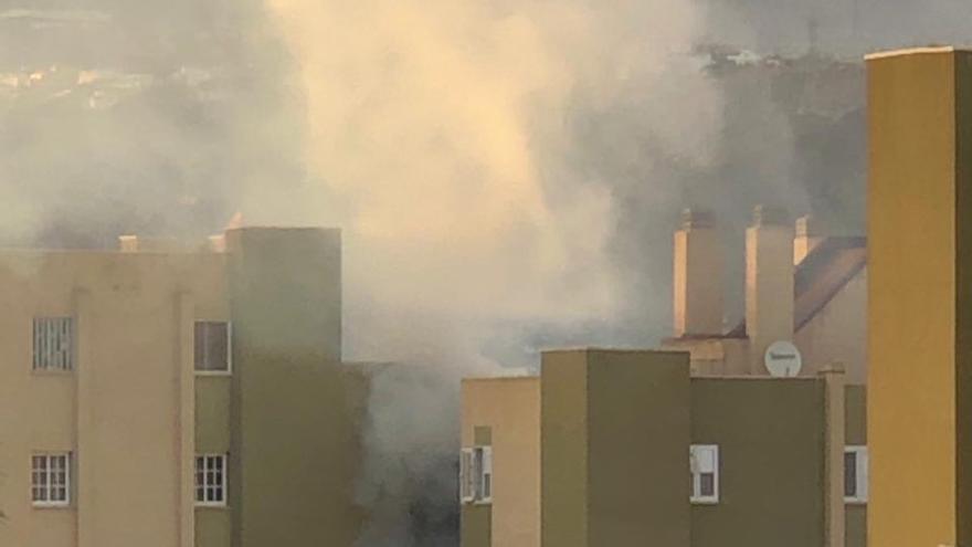 Incendio en una vivienda del barrio de Jinámar.