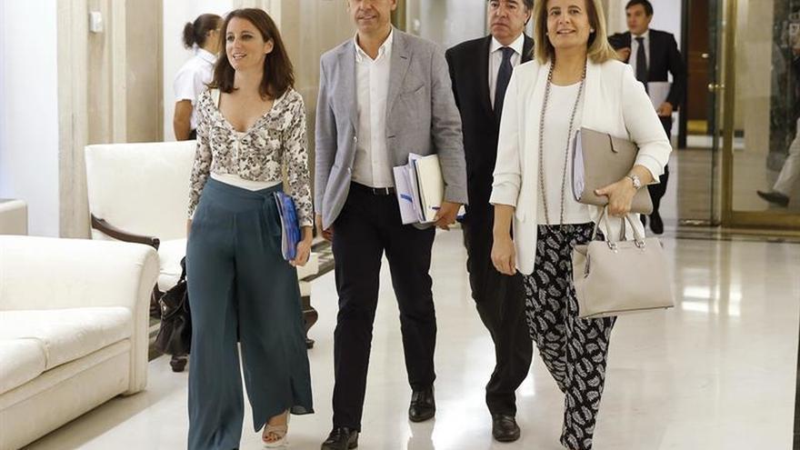 Rajoy y Rivera hablaron ayer para dar un impulso a la negociación