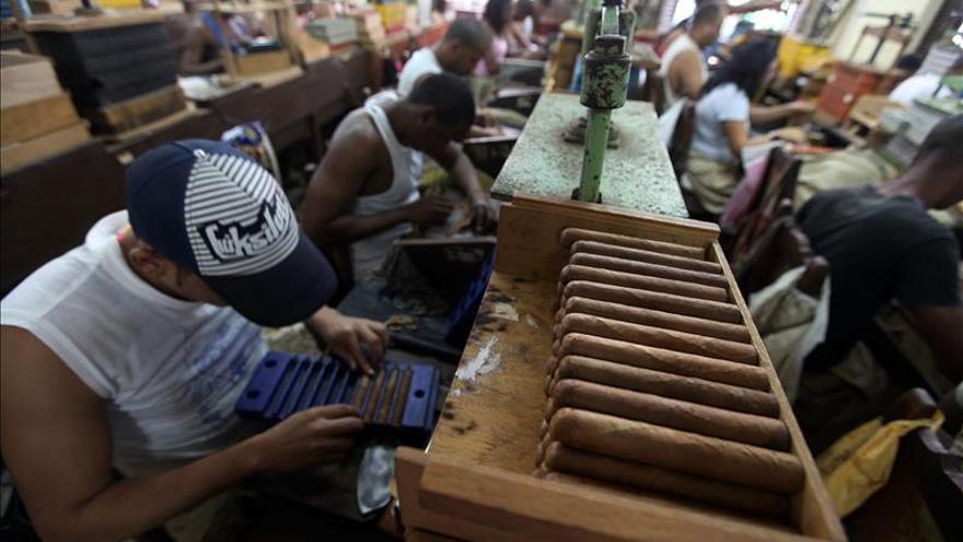 EE.UU. permitirá importar algunos productos del sector privado de Cuba
