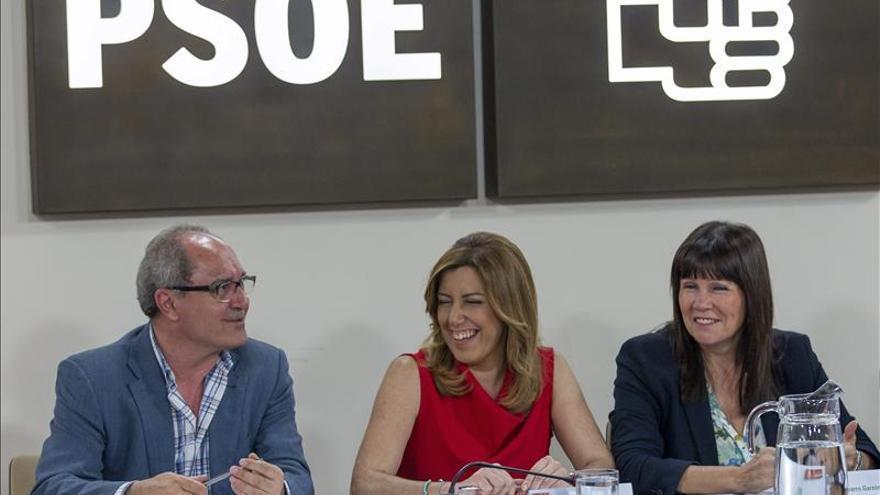 """Susana Díaz dice que """"su prioridad es Andalucía"""""""
