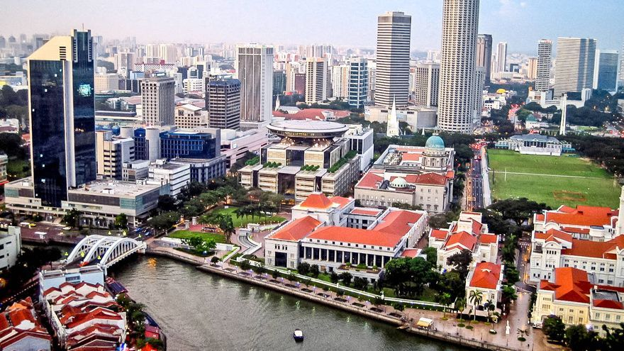Vistas desde el restaurante del Swissotel, uno de los mejores balcones sobre Singapur.