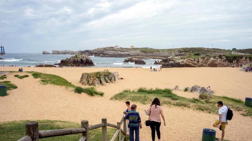Cerradas dos playas cántabras por afecciones a bañistas de origen desconocido