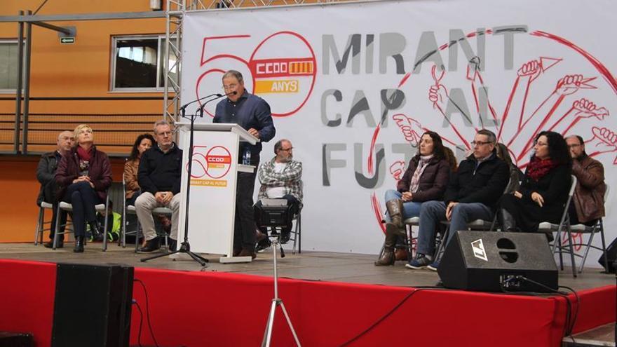 Paco Molina interviene en el acto del 50 aniversario de CCOO-PV en el polideportivo del Cabanyal (Valencia)