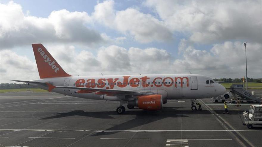 La aerolínea EasyJet contratará 80 tripulantes de cabina en España