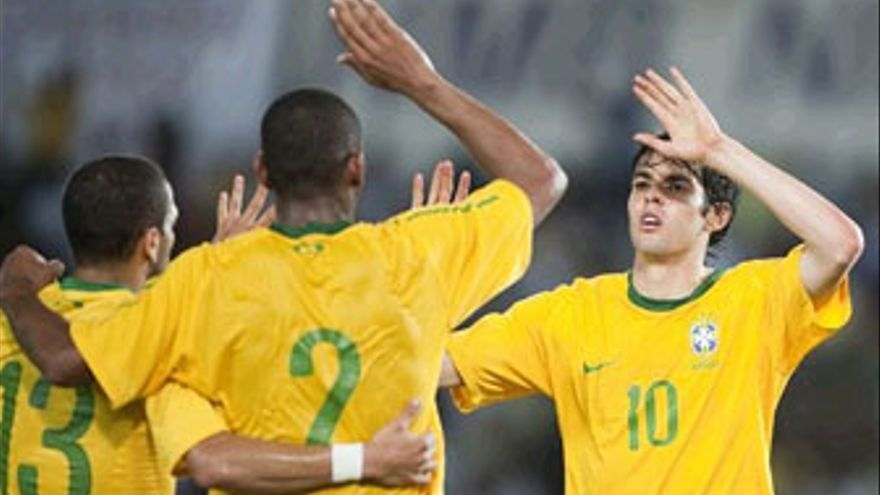 Kaká, referencia ofensiva de Brasil. (AFP / GETTY IMAGES)