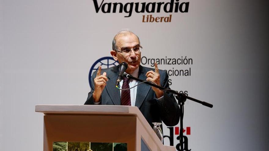 El Gobierno colombiano pide a las FARC no insultar al expresidente Uribe