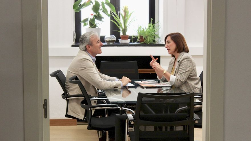Reunión entre Jorge Azcón (PP) y Sara Fernández (Ciudadanos)