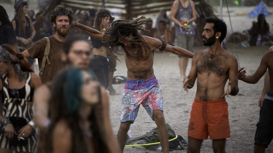 En los cuatro días del festival ha habido un coma etílico, tres caso de intoxicación por drogas y ninguna pelea / Luis Álvarez