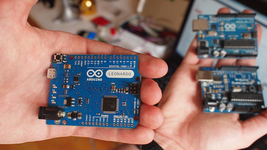 Las placas Arduino, la base para realizar variopintos proyectos (Foto: Becky Stern | Flickr)