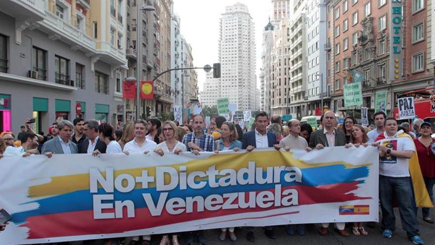 Oposición venezolana pide en Madrid elecciones libres y libertad para presos