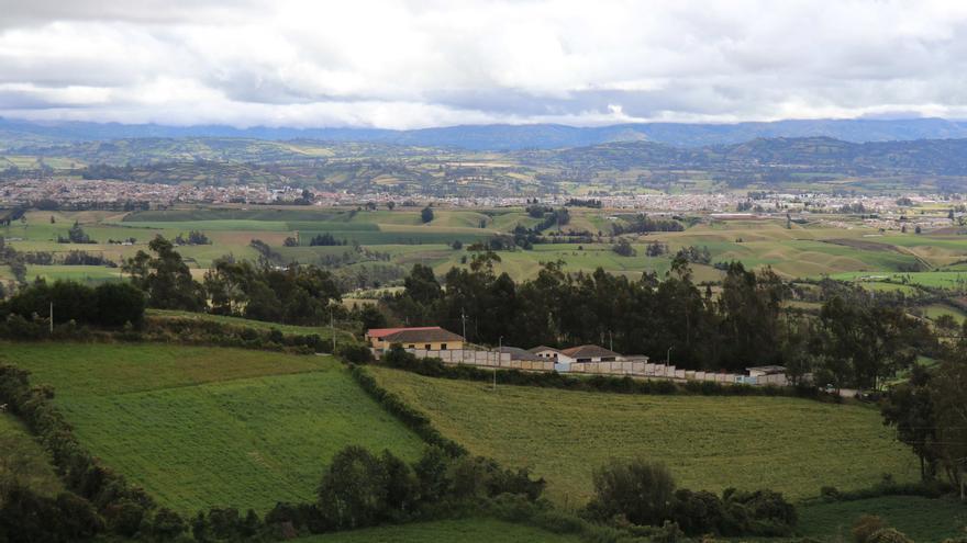 Ecuador mantendrá sus fronteras cerradas con Colombia y Perú hasta el fin de año