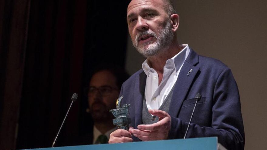 Grandinetti recibe el Ciudad de Huelva, máximo galardón del Iberoamericano