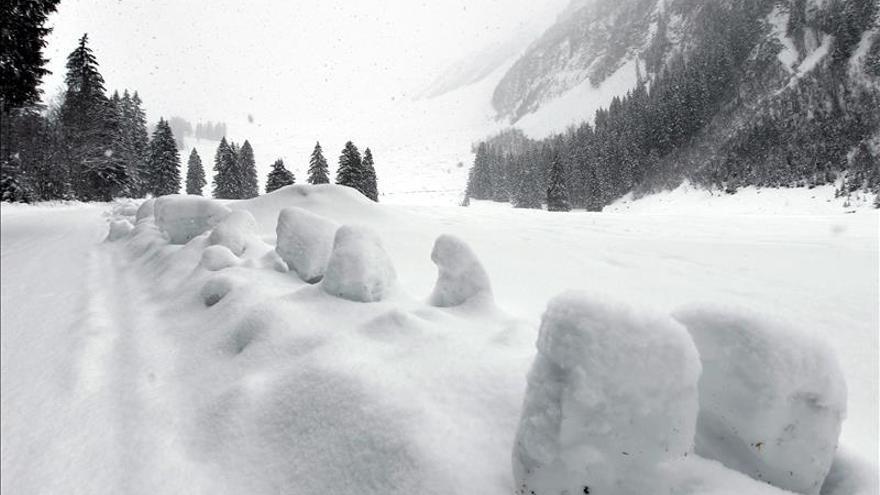 Cinco personas mueren en una avalancha en las montañas del oeste de Canadá