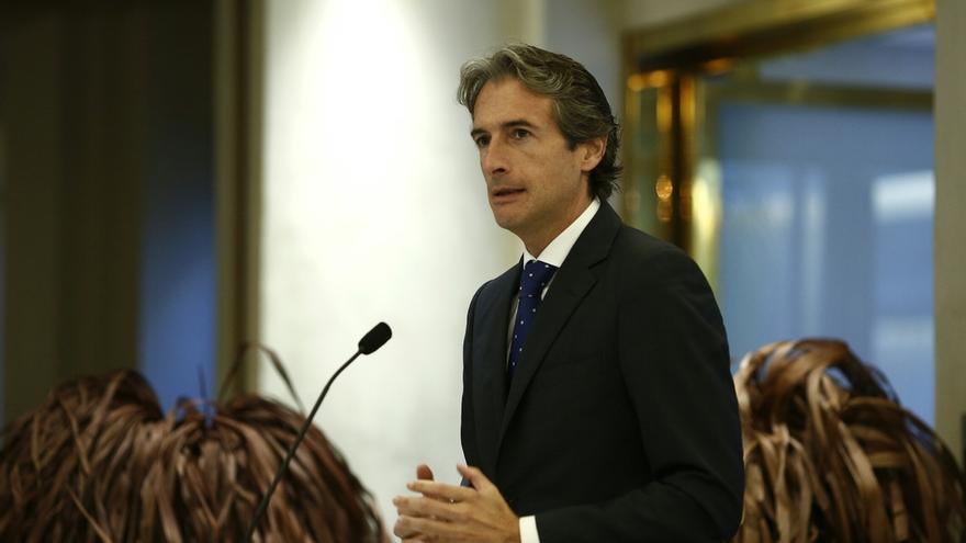 """De la Serna dice que el Gobierno """"garantiza con rotundidad"""" la atención social en municipios"""