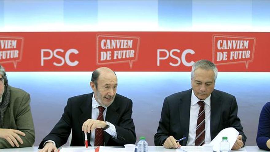 El PSOE baraja un calendario de primarias autonómicas antes de las generales