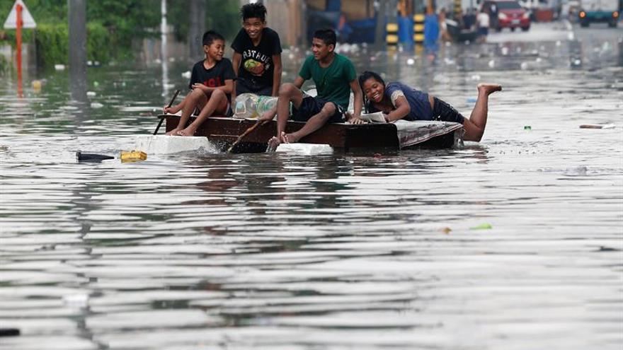 Tifón Nesat deja un centenar de heridos en la isla de Taiwán