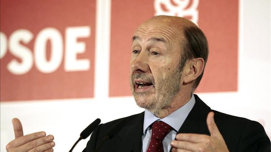 """Rubalcaba reúne de urgencia al PSOE ante la """"gravedad"""" del caso Bárcenas"""