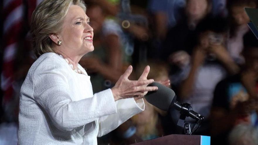 Clinton la primera mujer en la portada de un medio ultraortodoxo israelí