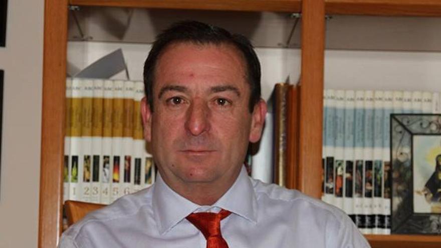 El alcalde de Villares del Saz, José Luis Valladolid