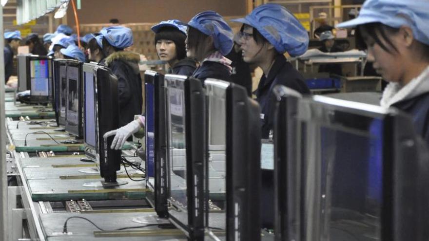 El crecimiento chino del 7,7 por ciento en 2013 supera en dos décimas objetivo anual