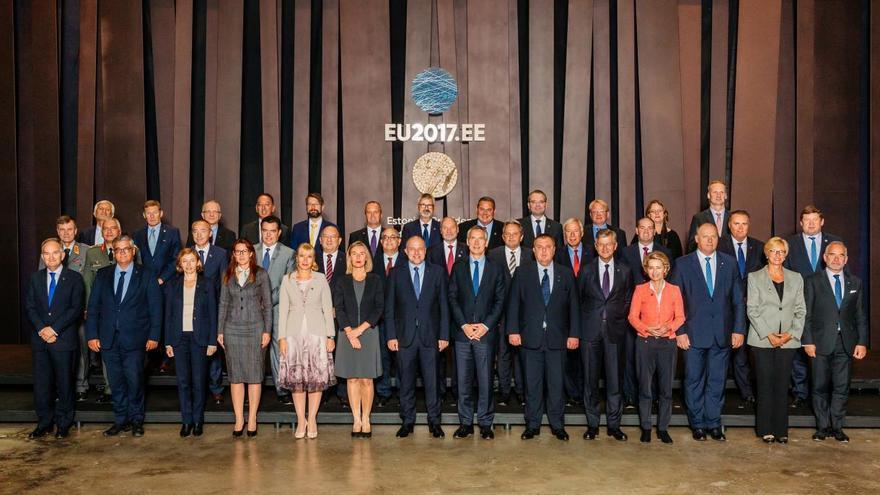 Los ministros de Defensa y demás representantes europeos participantes en el 'CYBRID 2017'