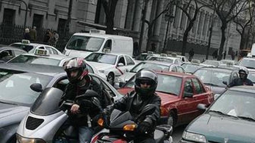 Tráfico inicia una campaña intensiva de vigilancia a motoristas
