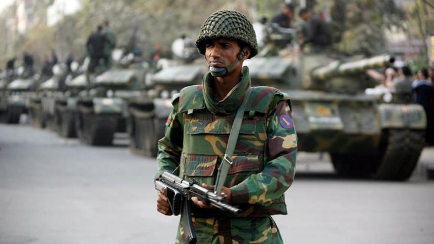 Al menos cinco heridos en un tiroteo cerca de la zona diplomática de Dacca
