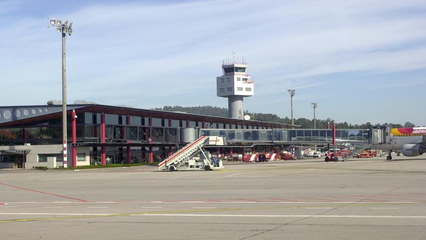 El aeropuerto de Vigo, cuarto en hacer efectiva la privatización de la torre de control