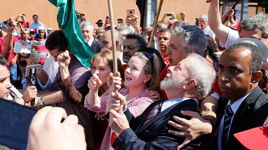 Lula termina su declaración ante el juez Sergio Moro tras poco más de dos horas