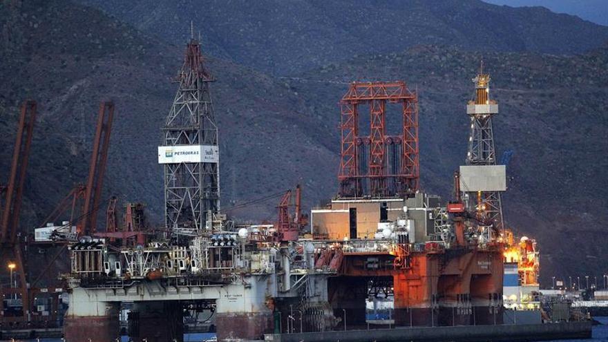 Plataformas petrolíferas en Santa Cruz de Tenerife