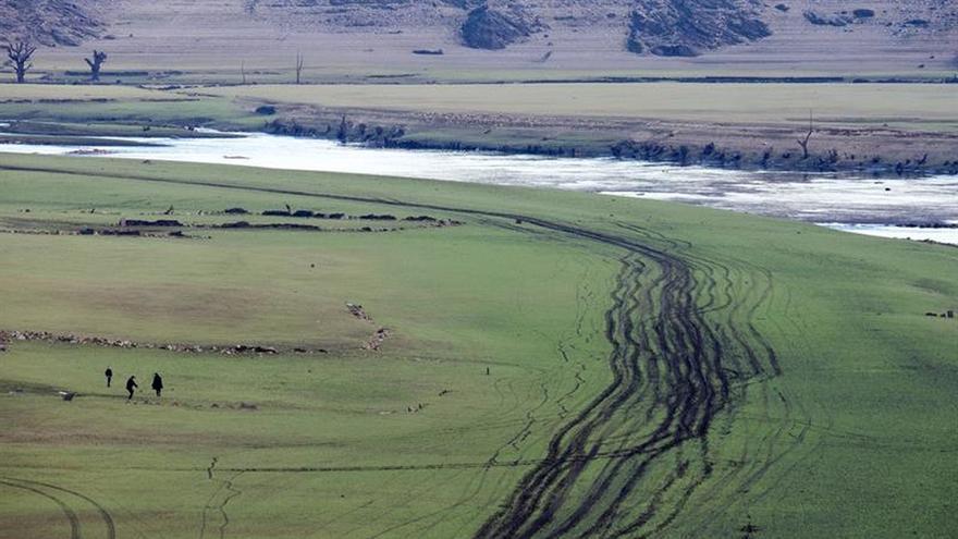 La reserva de agua roza el 50 % después de dos meses de descenso continuado