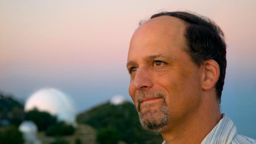 Geoffrey Marcy astrofísico que dimitió tras ser acusado de varios delitos de acoso sexual desde hace al menos 10 años