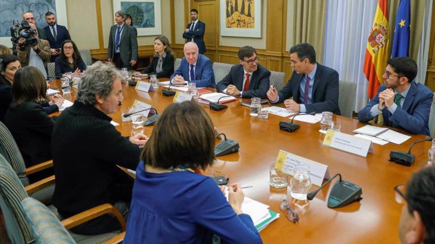 Sánchez preside el Consejo extraordinario con catorce ministros