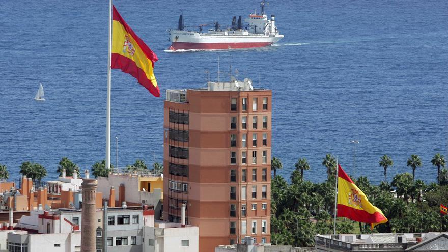 Banderas de España en Fuente Luminosa, Las Palmas de Gran Canaria