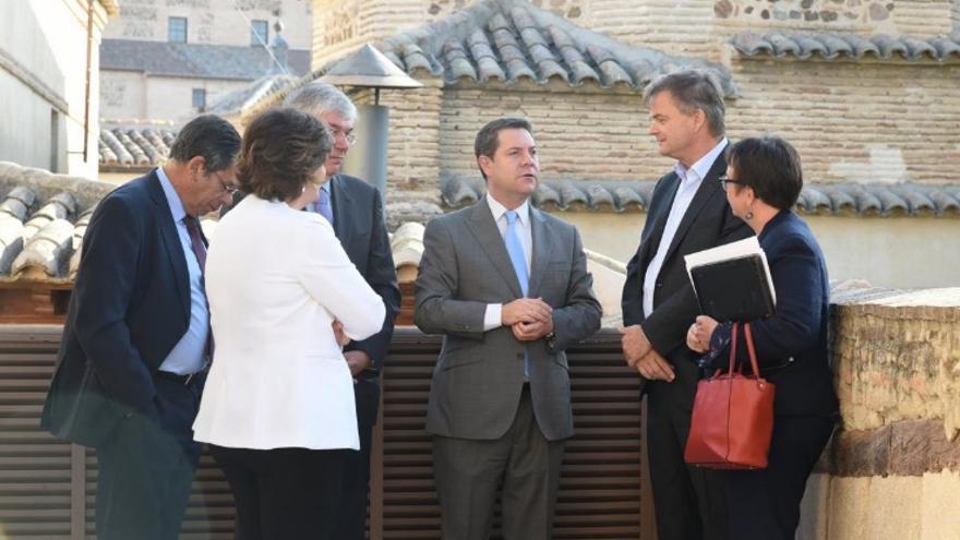 García-Page mantuvo un encuentro con el director de Operaciones de Amazon España